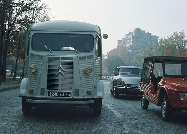 02_histoire_vehiculesutilitaires_fourgons_capture