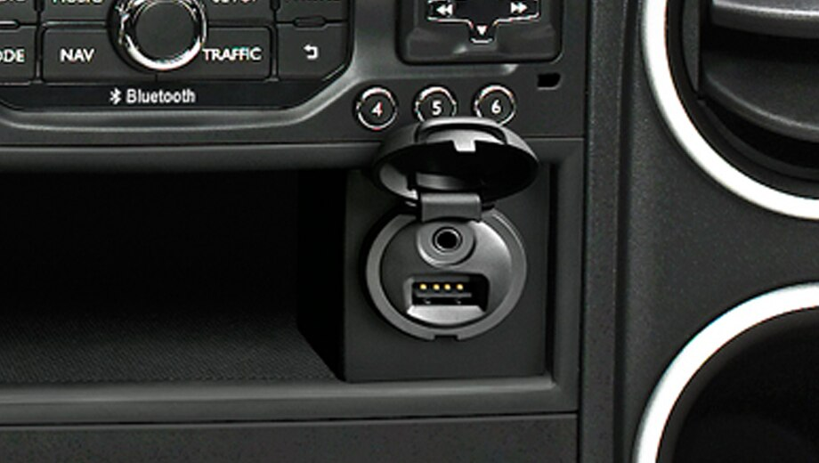 10.connectingBox-citroen-Berlingo-Multispace