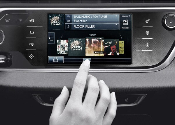 1800x681_citroen-confort-tablette-tactile